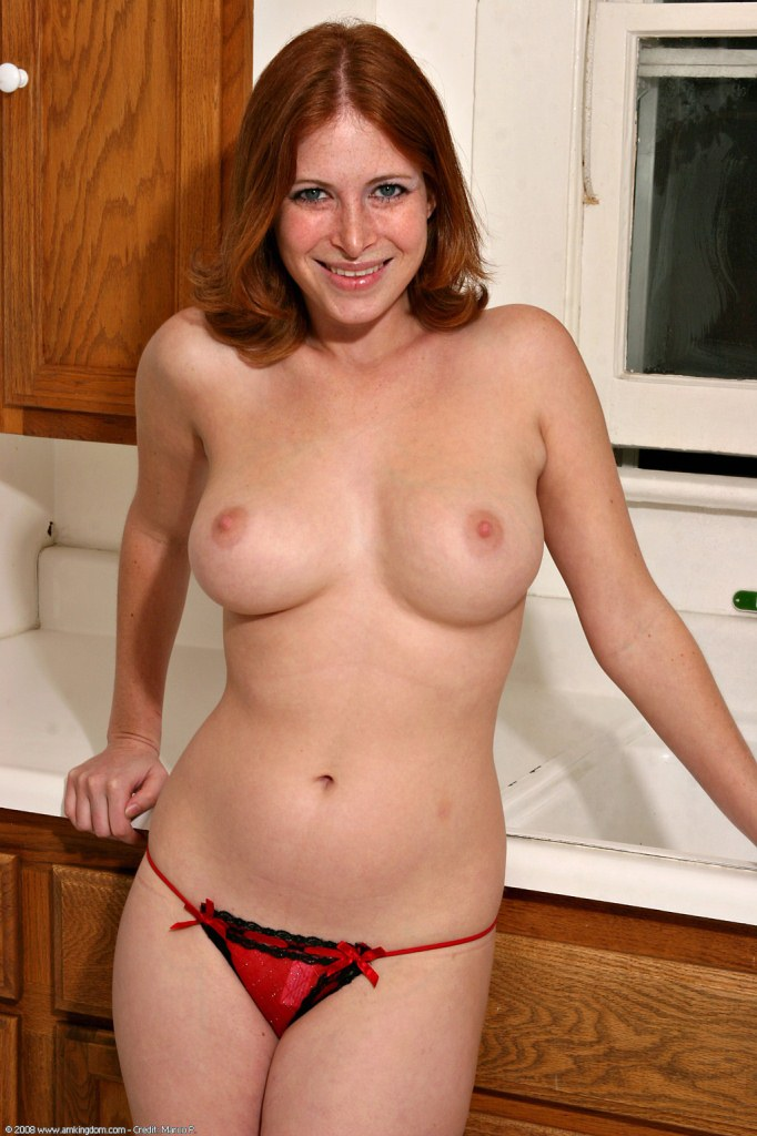redhead strip Natural